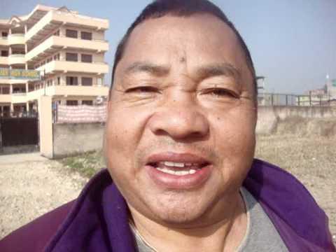 00 Prof. Juan Lázara  en casa del monje Lal Lama.MPG
