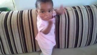 Melissa a dançar Xana toc-toc