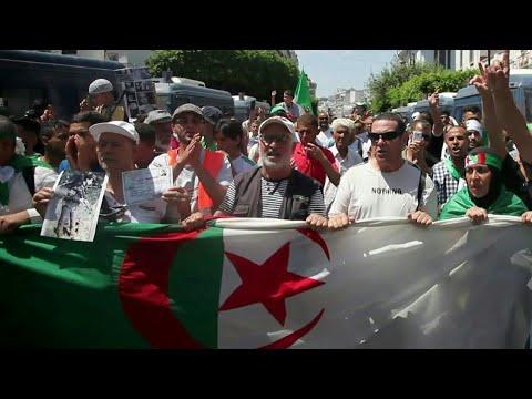 تظاهرة في العاصمة الجزائرية للمطالبة بدولة مدنية | AFP