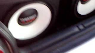 Audi A3 com 2x15  Tomahawk Live , Qualidade de som pra fora e pra dentro.....