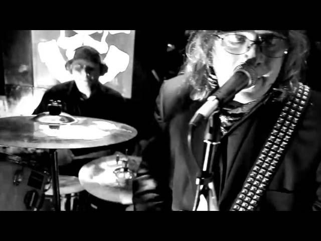 Video oficial de Regular John de Avon