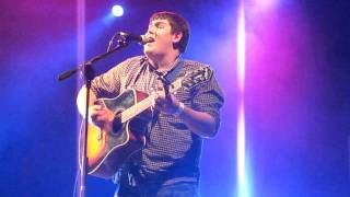 """Michael Collings """"Use somebody"""" by Kings of Leon at Hammersmith Apollo"""