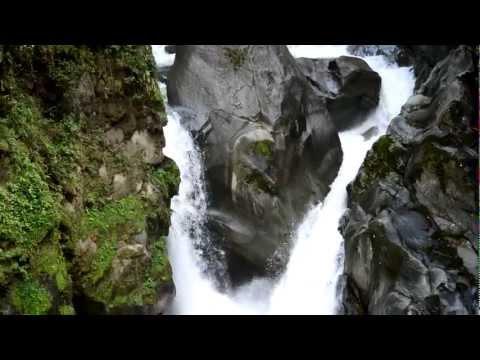 Pailon del Diablo, Baños, Ecuador. Camara nikon d3200