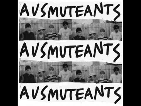ausmuteants-kicked-in-the-head-by-a-horse-mollyfurs