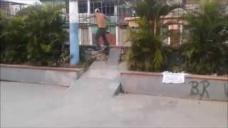 Veneno, domingo de skate na pista de Olinda, RJ