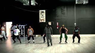 PSY - GANGNAM STYLE / 2 LEGIT 2 QUIT Mashup feat. MC HAMMER