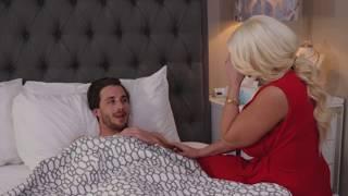 Pizza Boy ने किया खुश | A Wife Story | Short Film width=