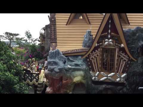 Video op YouTube: Crazy hous in Vietnam: Gaudi, Dali & Disney