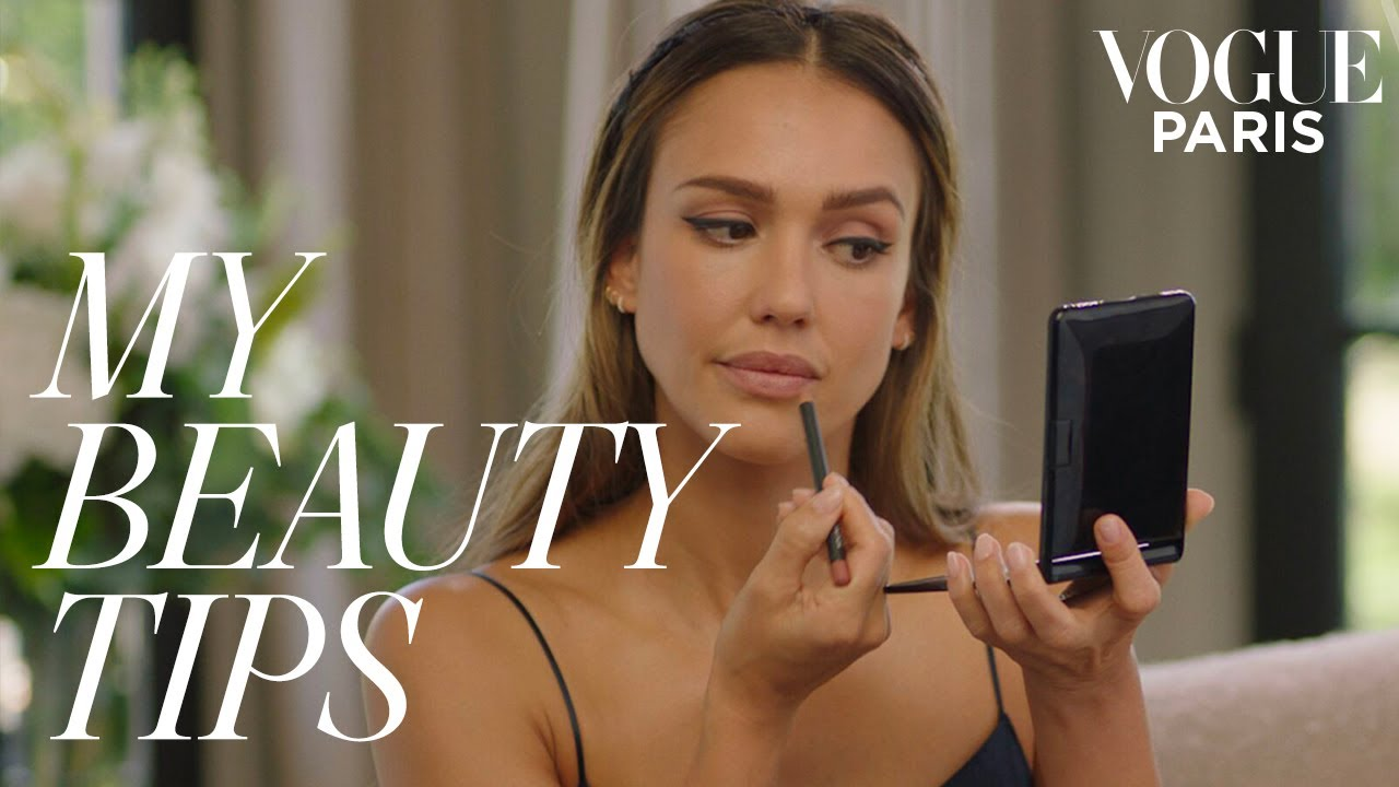 Jessica Alba's five-minute graphic Eyeliner look