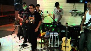 Envelheço na cidade - Ira (cover by Banda Apollo)
