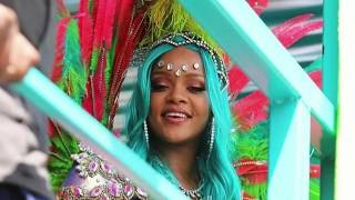 RIHANNA AT CROP OVER 2017- Partying with friends, splitting in di middle