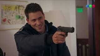 ¡Omar se enfrenta a un policía armado! - Campanas en la Noche