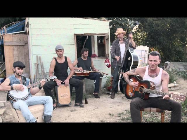 Videoclip ''False Hearted Lover's Blues'', de Dead Bronco.