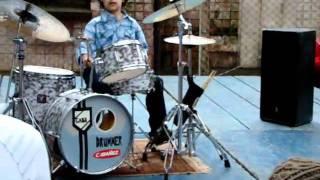 GABRIEL SCOTTI  -baterista mirin prodigio- 8 ANOS -COVER -I LIKE IT ROUGH -OUT 2010