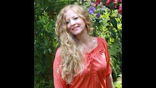 'Kate Bush - esque' - Circles of Change - Mariette Davina