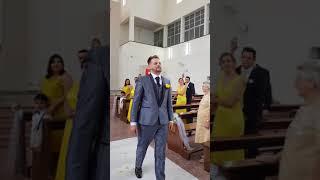 ALELUIA - Noivo faz surpresa cantando na Entrada da Noiva