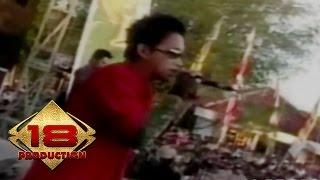 Opening Band - Somewhere I Belong (Live Konser Pamekasan Madura 5 November 2005)