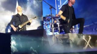 Thousand Foot Krutch- Be Somebody (Live)