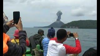Aktivitas Gunung Anak Krakatau Tarik Wisawatan