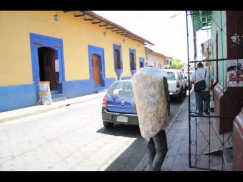 vendedor de papas en leon. nic.wmv