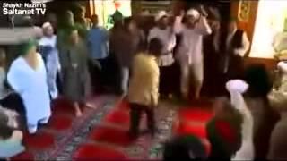 Zikir çekerken moonwalk ve modern dans hareketleri yapmak   YouTube