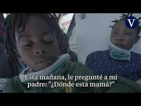 El duro relato de un niño que ha perdido a su madre en un naufragio