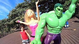 Hulk Marvel Barbie Super Princesa Pai Filhos Ventos Fortes  Brinquedos Jouets Toys Juguetes Kids