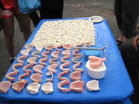 Selling teeth at Jamaa el Fna