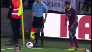 Dani Alves Picks Up and Eats Banana Thrown By Racist Fan before Corner Kick 27 04 2014