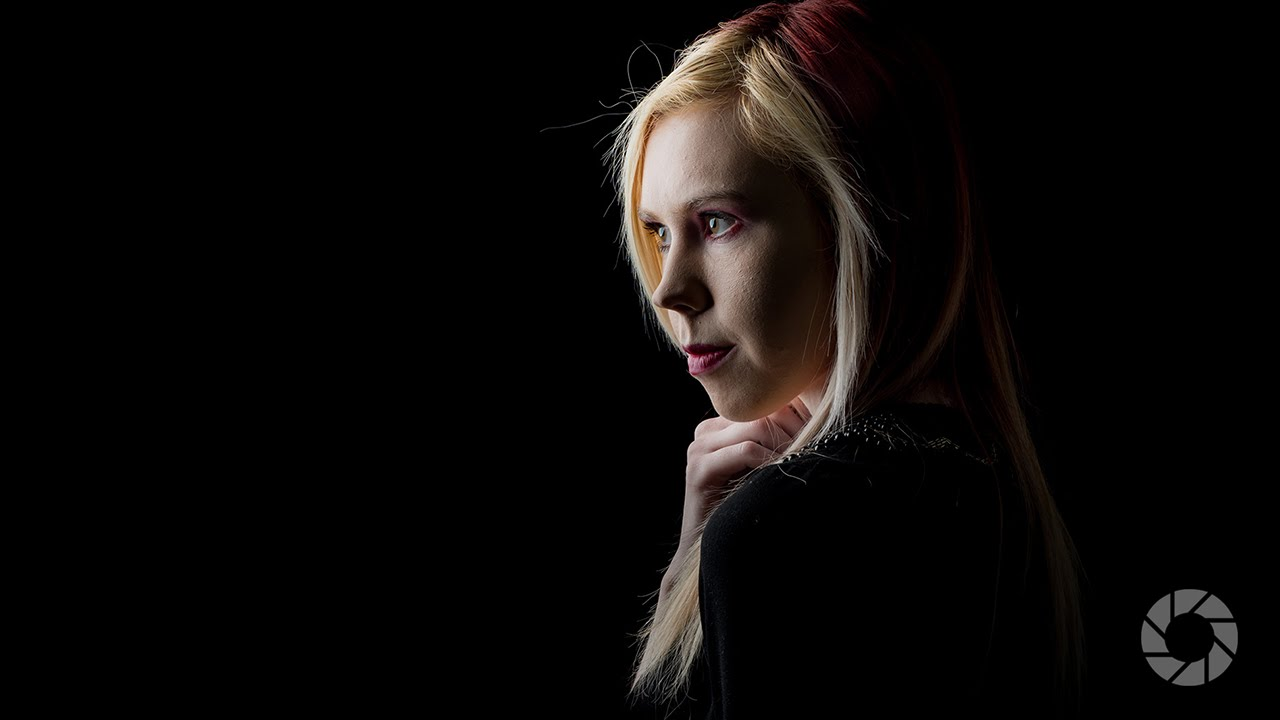 Low Key Portraits: Take and Make Great Photography with Gavin Hoey