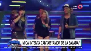 Mica Viciconte cantando con Brian Lanzelotta y Rocio Quiroz
