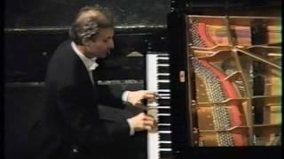 Debussy - Prelude - Danseuses de Delphes. Alessandro Drago