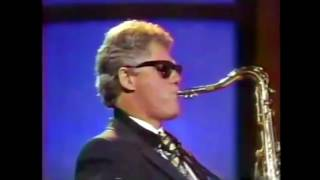 Bill Clinton plays K-391 - Everybody on the saxophone.