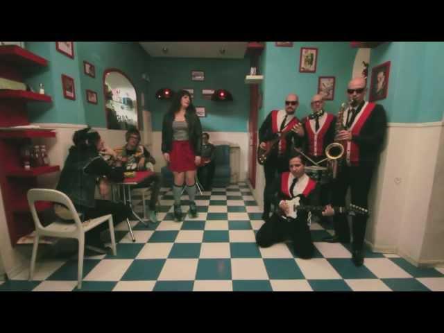 Videoclip de ''Double Shot'' de The Imperial Surfers