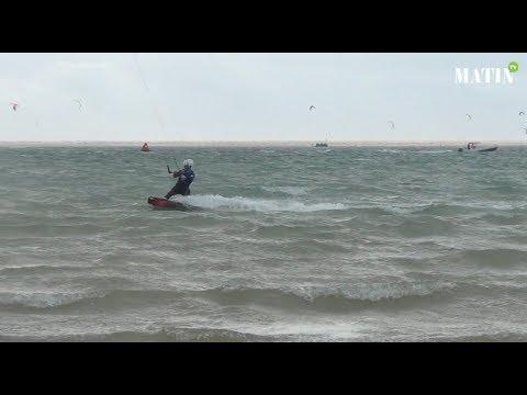 Le champion d'Europe juniors de kitesurf au Micro de Matin TV à Dakhla