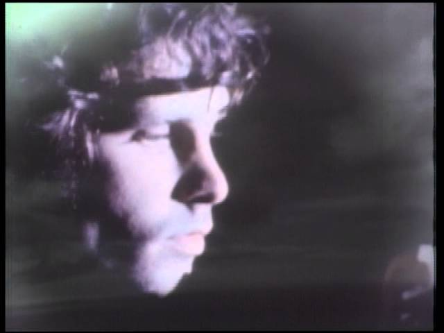 Videoclip de 'Roadhouse Blues', de The Doors.