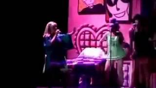 """""""Freddy Mi Amor"""" - GREASE """"VASELINA"""" en español !...."""