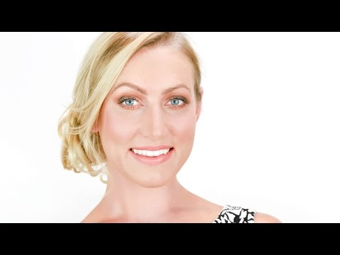 Easy Holiday Makeup Tutorial | glo minerals