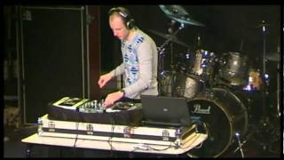 DJ Tony Foxx (live @ Freeland-festival)