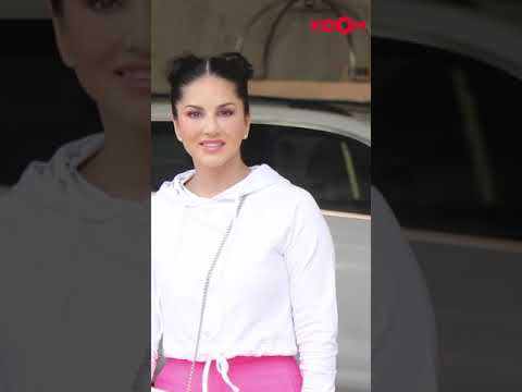 Sunny Leone & her kids adorably poses for the paps 😍 | #shorts