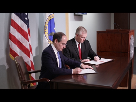 SEC and NASAA Sign MOU