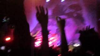 Avenged Sevenfold - So Far Away solo 2 live in malaysia
