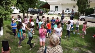 Petrecere in aer liber copii de la Vasile Conta 3