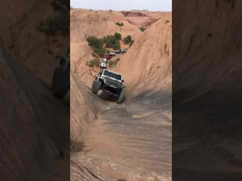 Hell's Revenge Jeep Trail - Hell's Gate (Easter Jeep Safari 2017)