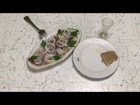 Малосольная сельдь Иваси в домашних условиях photo