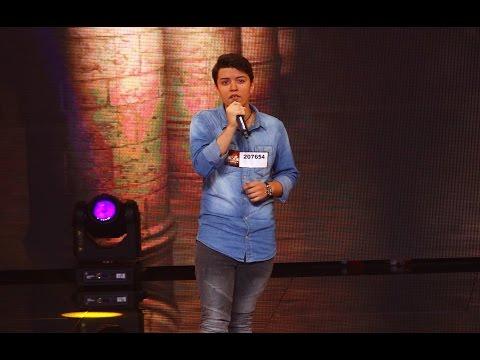 """Bruno Mars - """"Grenade"""". Vezi aici cum cântă Iulian Macovei la X Factor!"""
