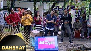 Host Dahsyat Nyanyi Akustik Lagu Ello 'Pergi Untuk Kembali' [Dahsyat] [18 Feb 2016]