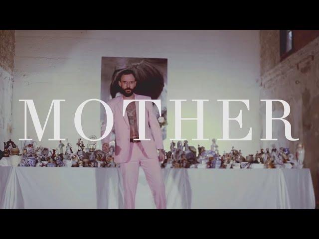 """Video de """"Mother"""" de Idles"""