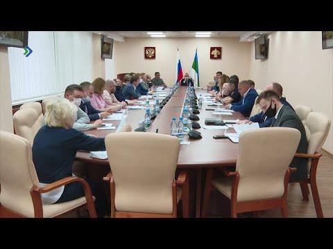Депутаты обсудили важные вопросы на заседании Президиума Госсовета Коми.
