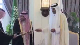 الشيخ تميم  هذا سيف 🗡المؤسس  واتشرف انك اول شخص يناله و لملك سلمان  حطوه في  الدرعية